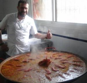 paella de mariscos BUENMAR chef oliva